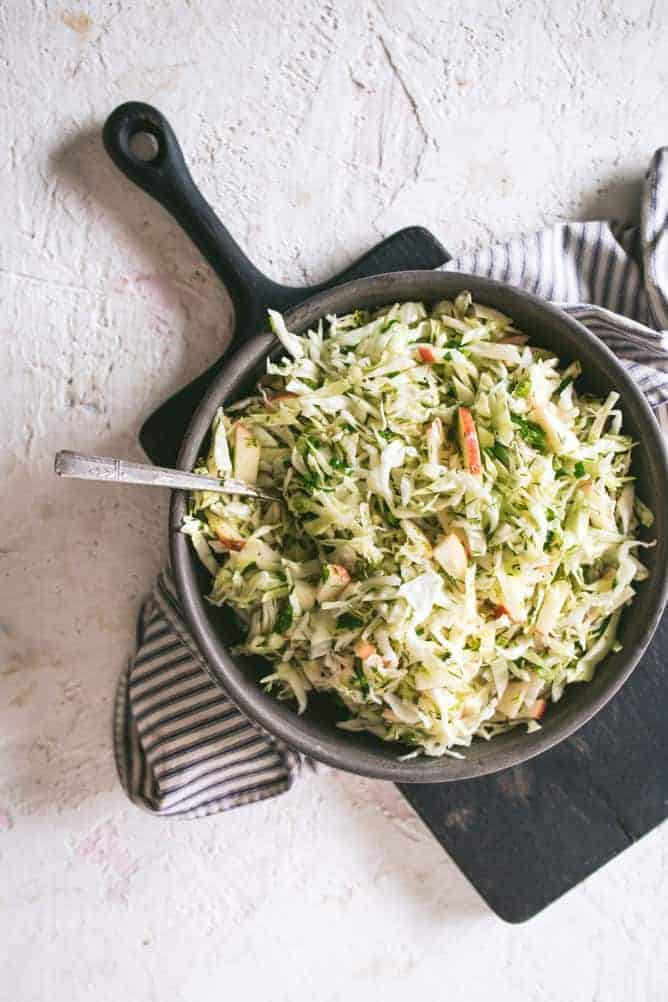 DELICIOUS AND EASY 10 MINUTE APPLE CABBAGE SLAW