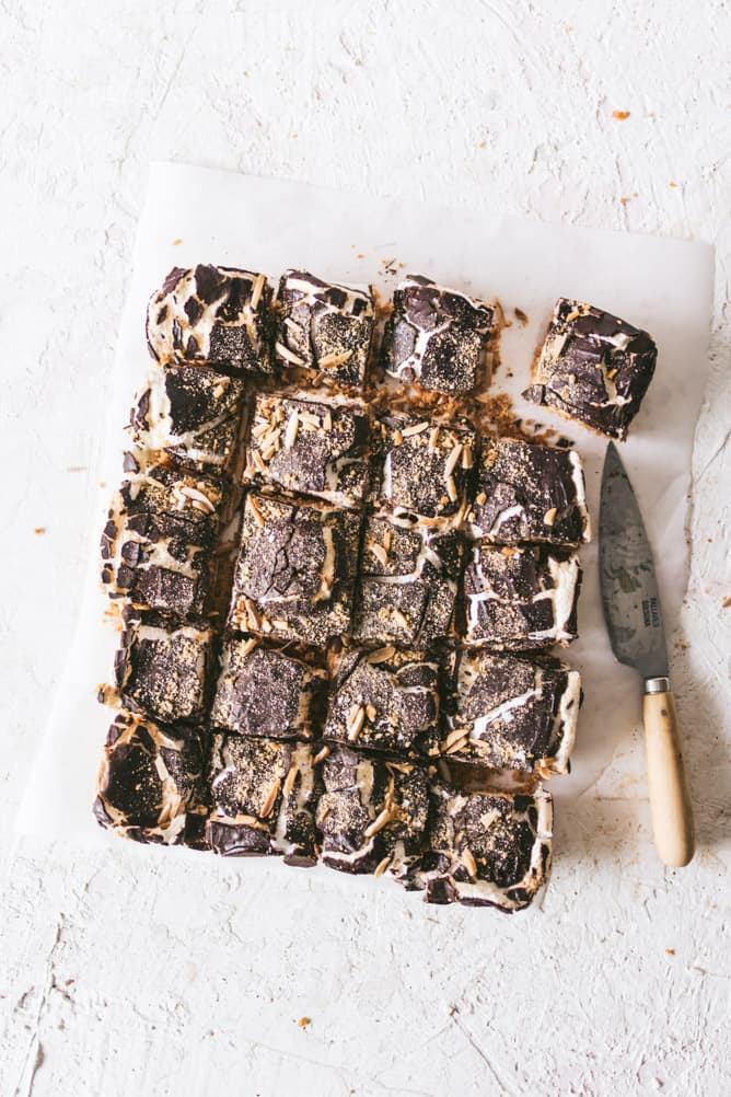 BAKED GOOEY S'MORES BARS cut into pieces