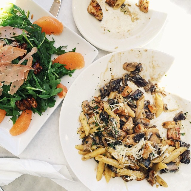 lunch at Anastacia Cafe in Laguna Beach this afternoon with my sister. Penne pasta with mushrooms and grilled chicken with a arugula salad, prosciutto and grapefruit slices tossed with a citrus vinaigrette. I love coming to Laguna and reminiscing the time I used to live here. #lenaskitchen #lenaskitchenblog #lunch #LagunaBeach #CA #travel #CAbound #eeeeeats #pasta #salad #eatingout #f52grams #feedfeed #thekitchn #cheflife #chef #foodstyling #foodphotography #familytime
