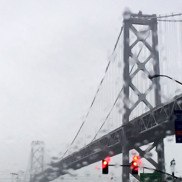 #goldengatebridge driving in this morning using #lyft I snapped this sweet photo of the rainy morning drive. #sanfrancisco #airbnbopen #airbnbsanfrancisco #airbnbopenconference #airbnb #community #rain #bridge #lenaskitchenblog #fog #rainy @airbnb @lyft