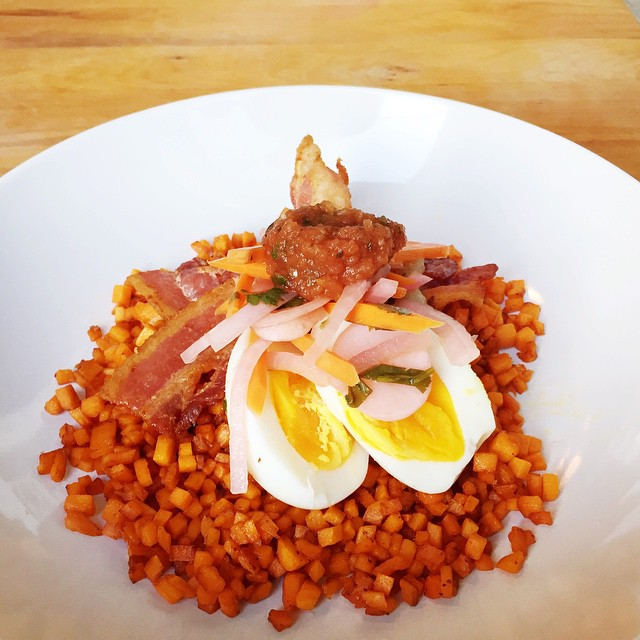"""This mornings breakfast was inspired by @yelena.d. Sweet potatoes turned into """"rice"""" sized risotto, cooked in bacon grease after I cooked the bacon, soft boiled egg, homemade pickled veggies and homemade salsa. Thanks for the importation. #salsa #homemade #eggporn #breakfast #whole30breakfast #bacon #homecooking #lenaskitchen #lenaskitchenblog #lenaskitchenblogwhole30 #whole30 #whole30day26 #foodphotography #foodstyling #foodisgood #eatfresh #eatinghealthy  #chef #cheflife #truecooks #paleo"""